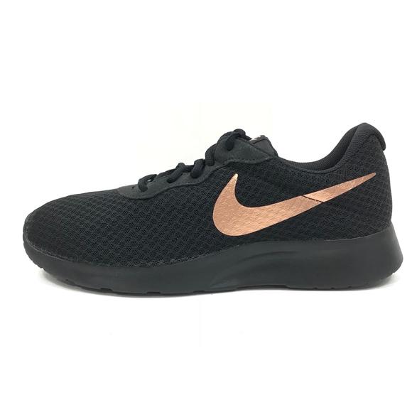 nike tanjun trainers ladies black/bronze